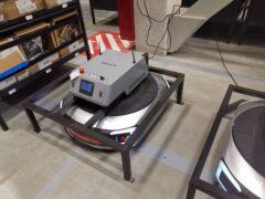 Сортировочные роботы Geek+ s20 в Декатлоне_10
