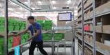 Станции комплектации- отбор товаров в заказ, пополнение стеллажей